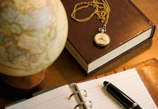 計画用手帳とペン